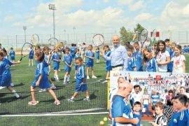 """Başkan Dr. Hasan Akgün, 'ödüller başarımızın göstergesi"""""""