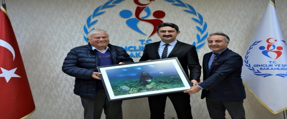 Saruhanoğlu , ''Dört kardeşiz , hepimiz  Türk Balıkadamları için çalışıyoruz''